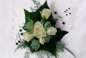 White roses, weddng flowers
